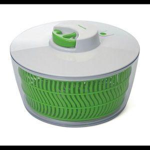 Progressive Salad Spinner w/ pull cord